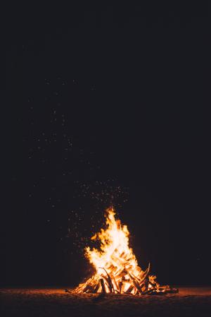 Chuttersnap-bonfire-sm