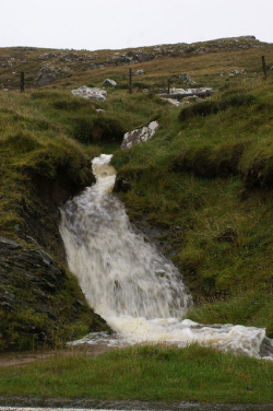 Burn_after_torrential_rain,_Snarravoe_-_geograph.org.uk_-_992345