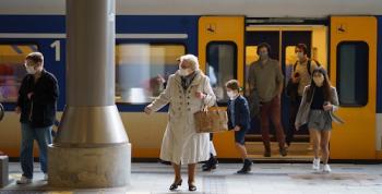 Ayelt-van-veen-train-exit-sm